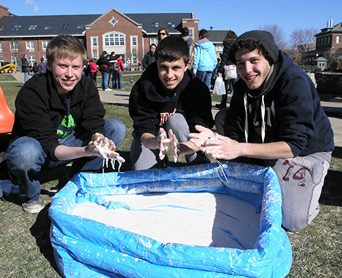 Illinois students play with oobleck at a recent EOH
