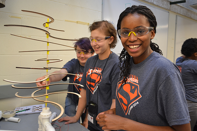 2014 GBAM campers work on their design for the windmill competition.
